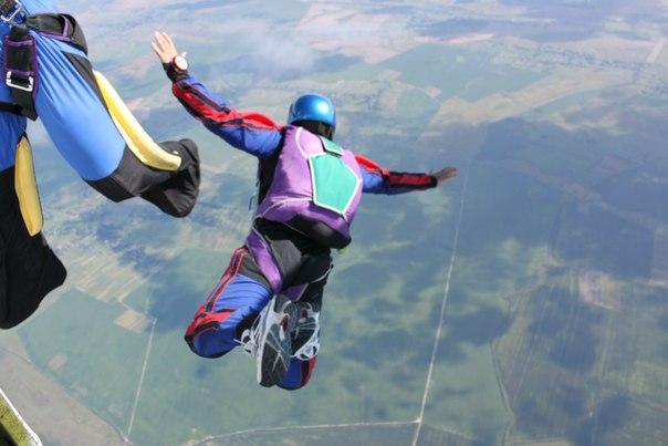 Стрибки з парашутом фото